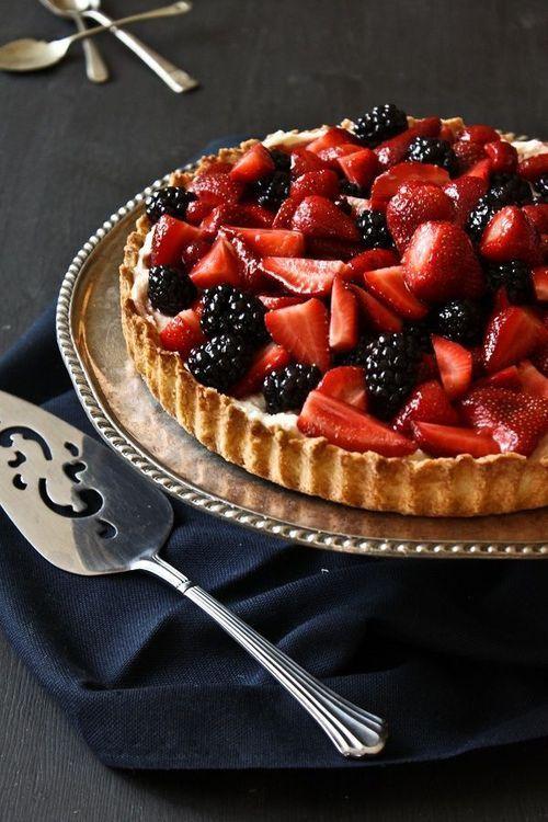 berry mascarpone almond tart
