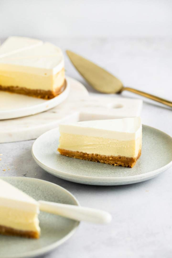 Sour Cream Cheesecake is a simple homemade cheesecake recipe. It has three layers and…