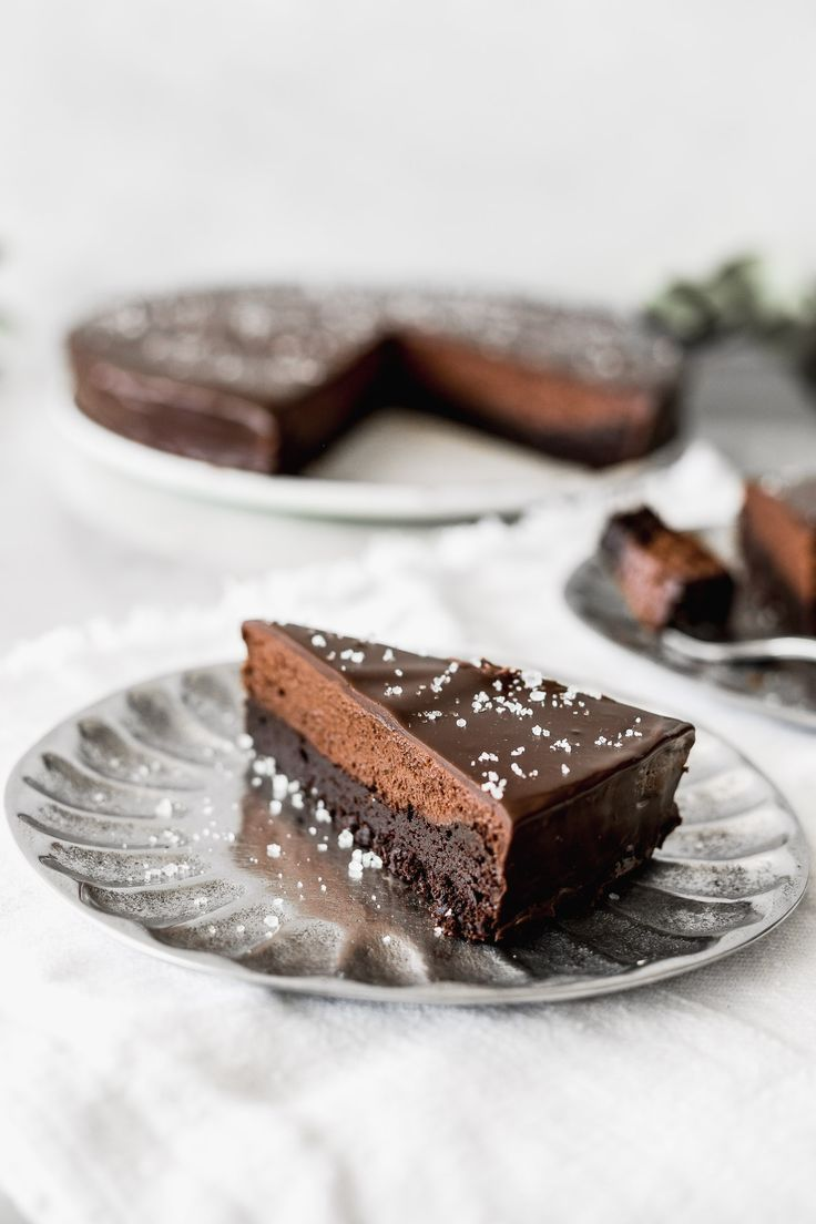 Brownie and Chocolate Mousse Cake